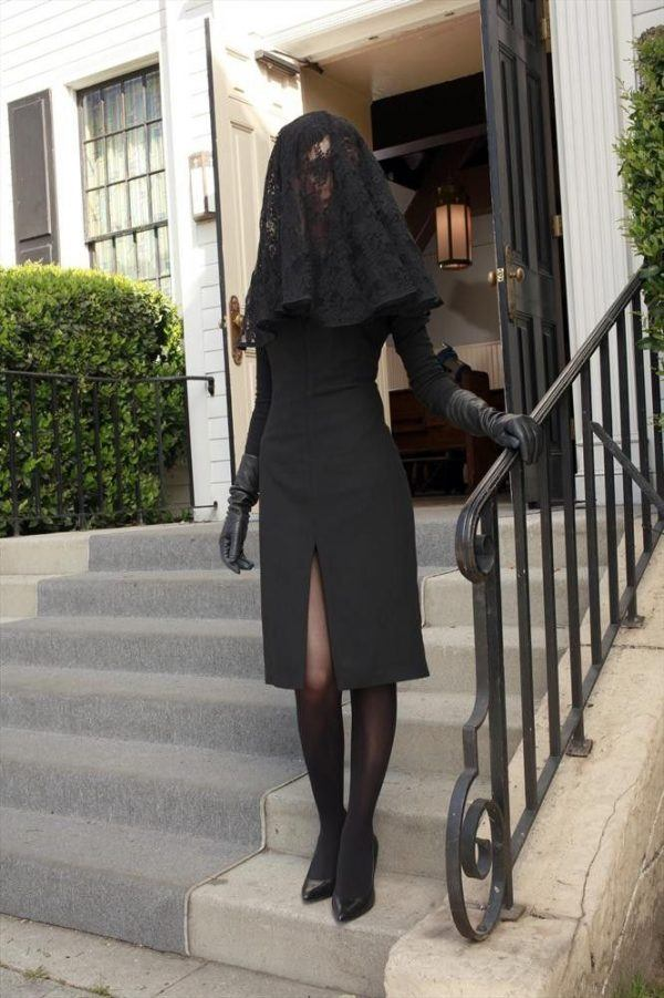veils-600x901 30 Best Funeral Outfits for Teen Girls-What to Wear to Funeral