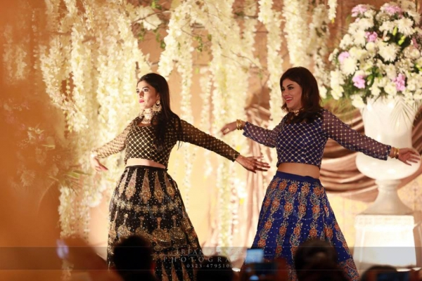 mishi khan dancing on urwa's wedding