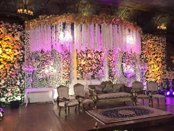 urwa farhan stage decoration