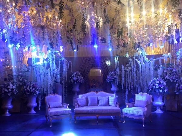 urwa farhan wedding stage