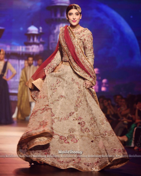 urwa hocane bridal dress