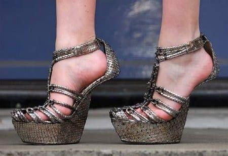 Unique Heel Less Shoes