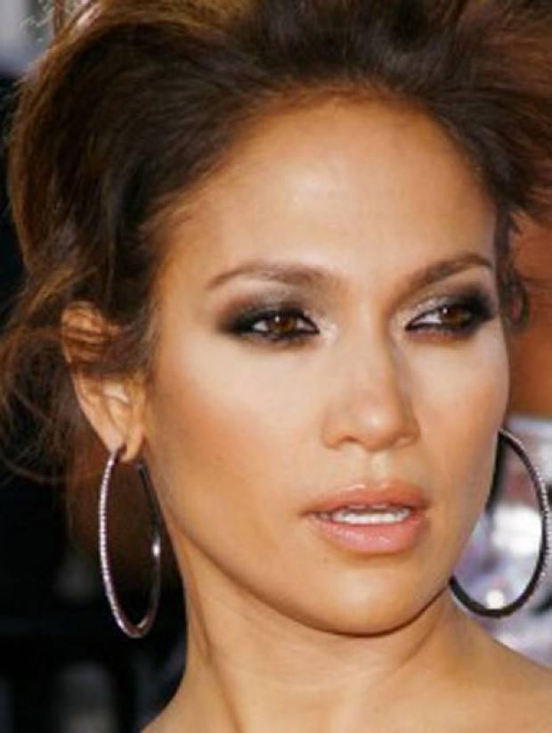 10 Most Gorgeous Celebrities Eye Makeup Ideassecrects