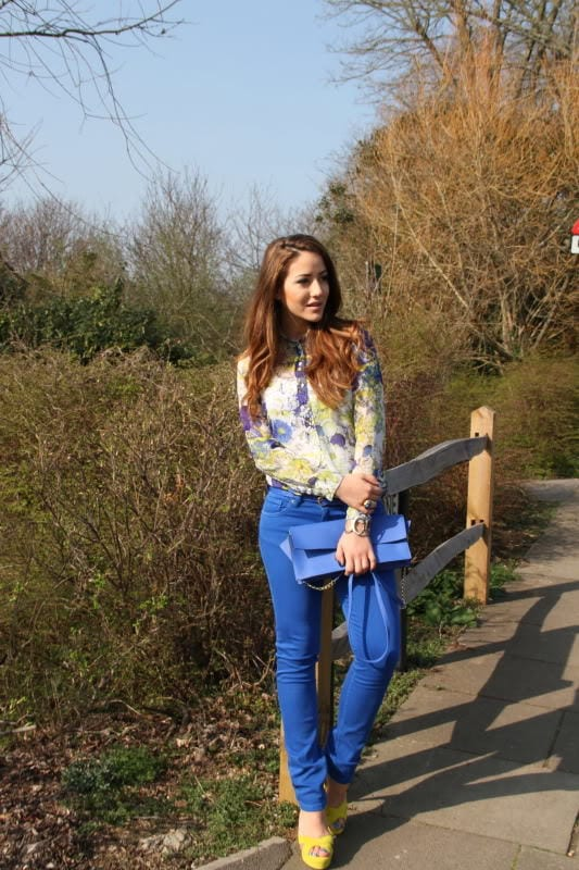 Stylish floral print tops for women