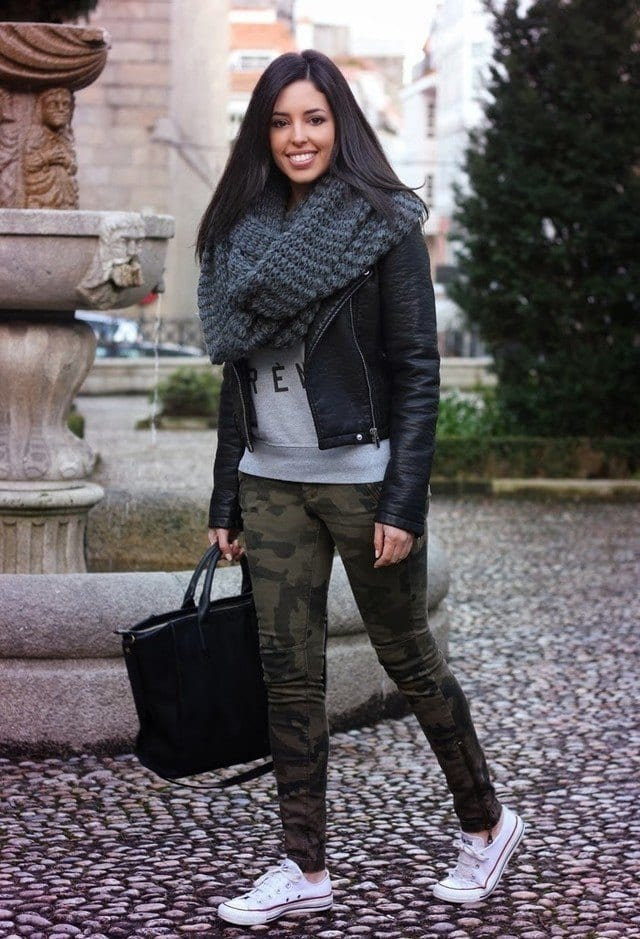 Stylish women wool scarves