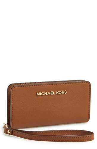 Top designers phone pouches