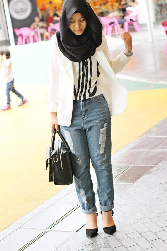 Hijab with ripped jeans