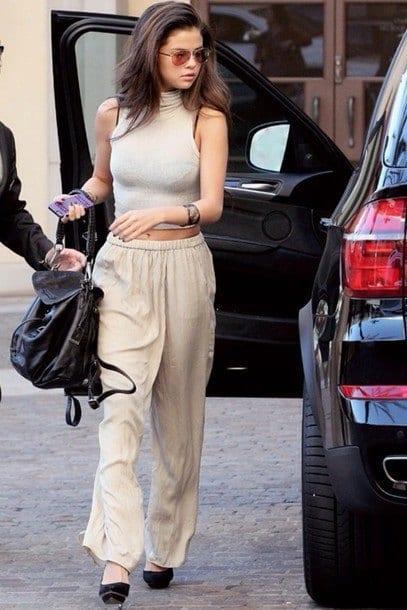 selena gomez in baggy pants