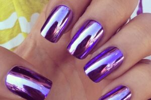 Purple mirror nails