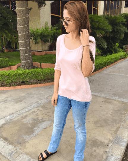 short pakistani girls street style