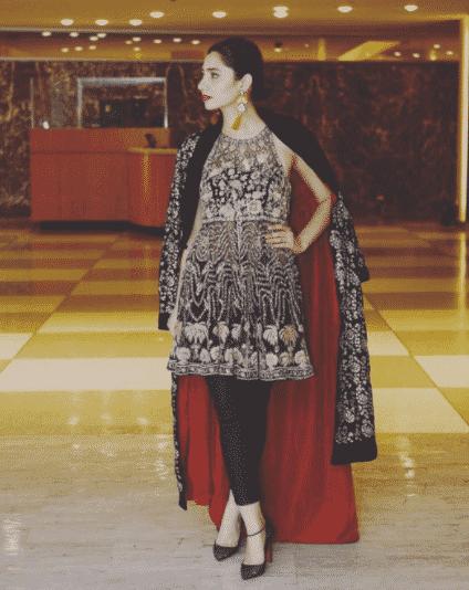 pakistani women street style