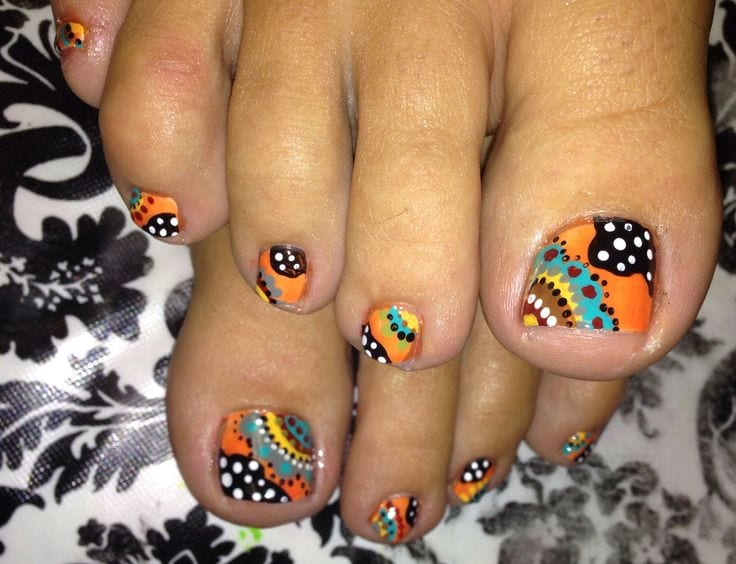 Funky toe nail art for teenage girls