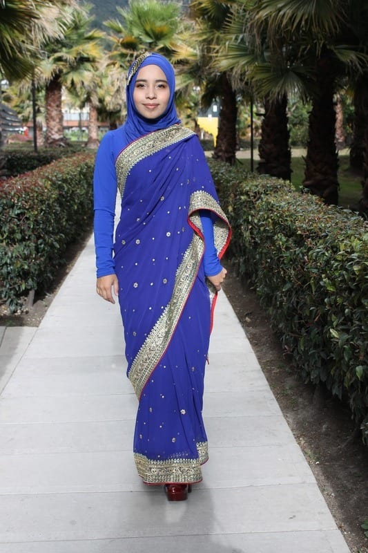 How to wear Hijab with Saree