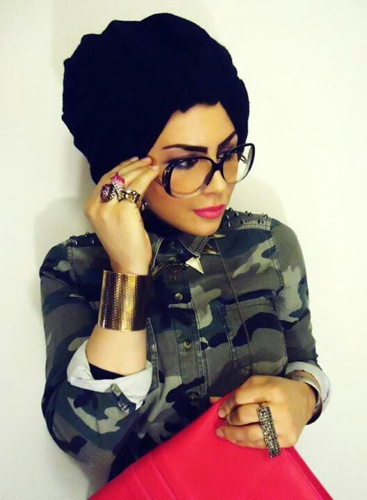 How to wear glasses with hijab
