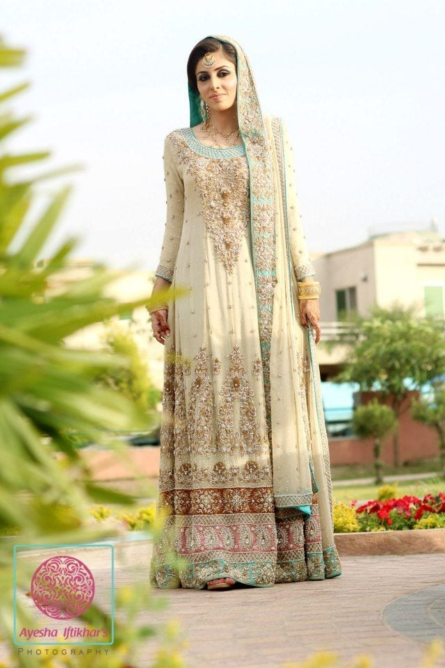 a97cb34c77 10 Most Stylish Pakistani Bridal Dresses -Wedding Outfits