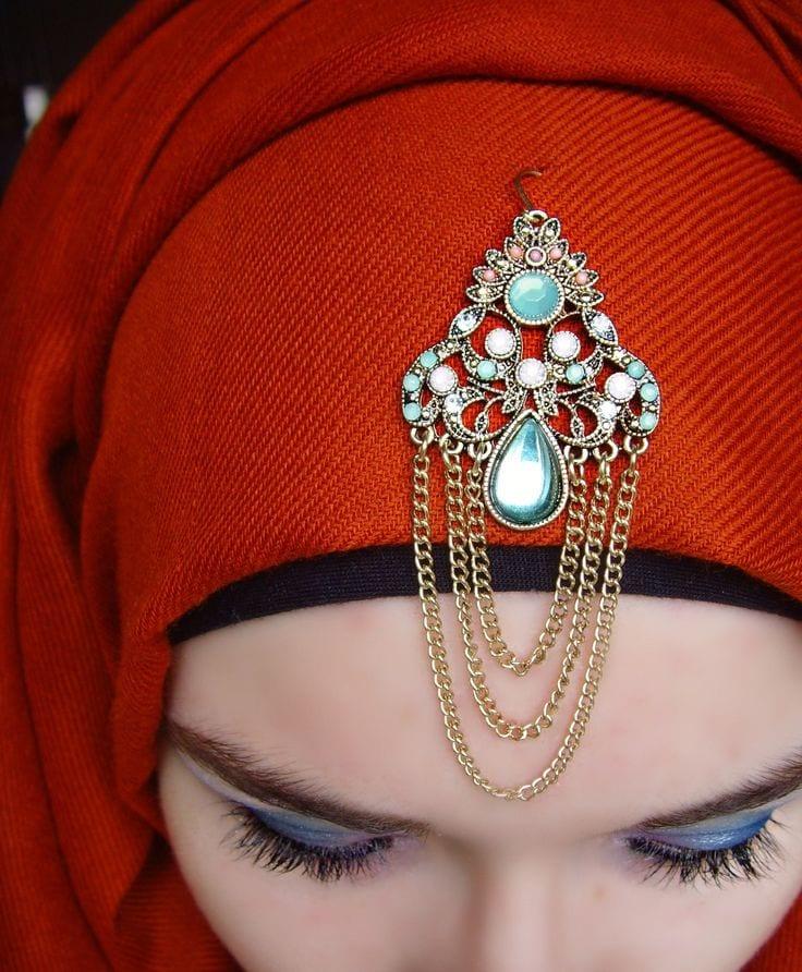 Stylish hijab pins