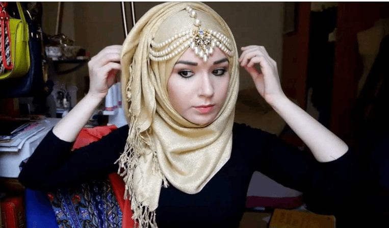 10 Simple DIY Hijab Accessories Tutorials You can Do Easily