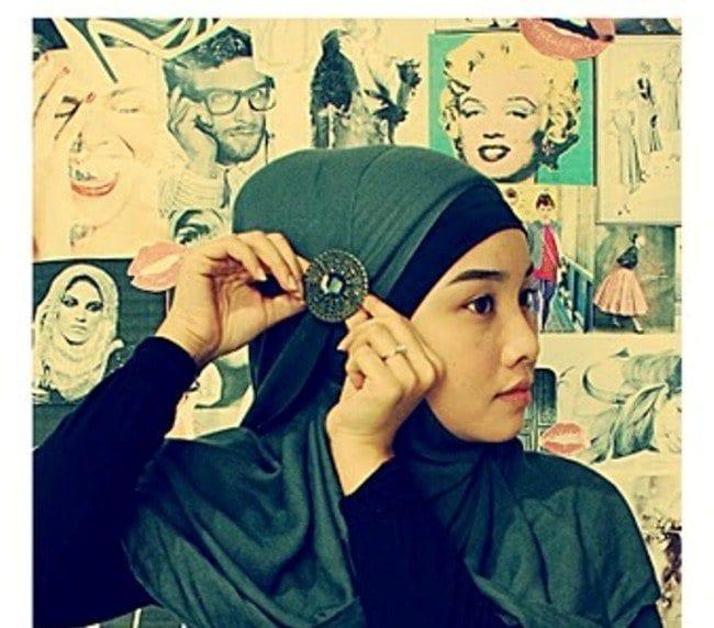 Hijab accessories tutorial