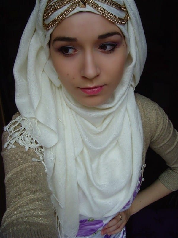 how to accessorize hijab