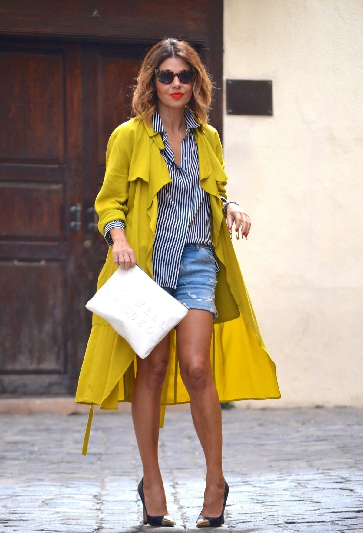 how to style yellow coats