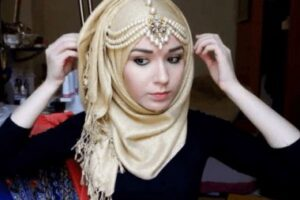 ideas to accessorize hijab with jewelry