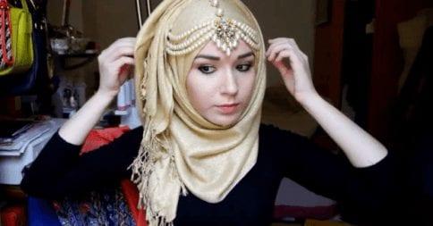 Maang Tikka With Hijab 17 Ways To Wear Hijab With Maatha Patti