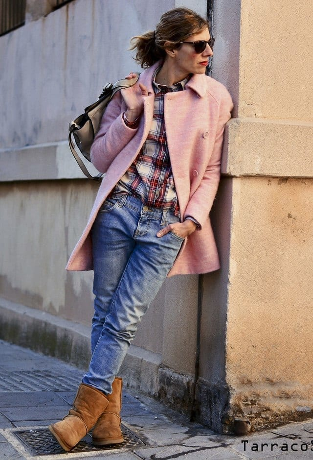 18 Cute Outfits To Wear With Uggs Boots This Winter
