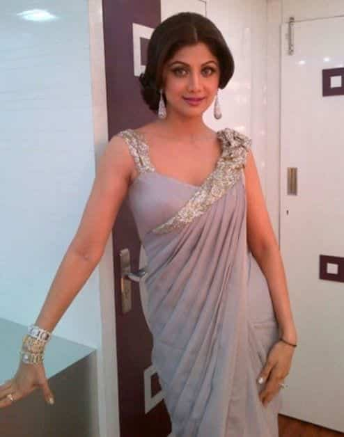 cute hairstyle for saree (3)