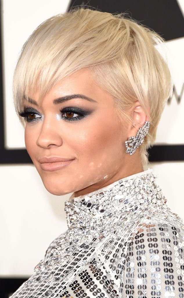 25 Stunning Ideas To Wear Earrings With Short Hair