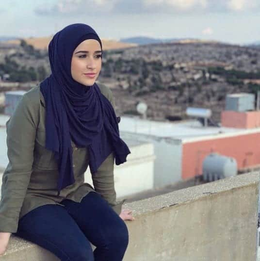 Top 20 Hijab Fashion Bloggers (12)