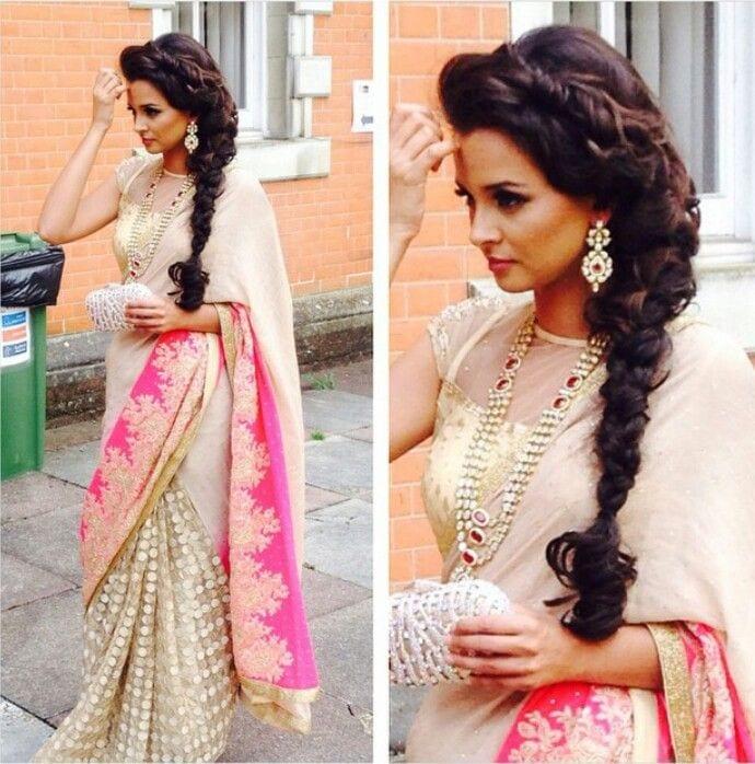 cute Bridal Mehndi Hairstyles (9)