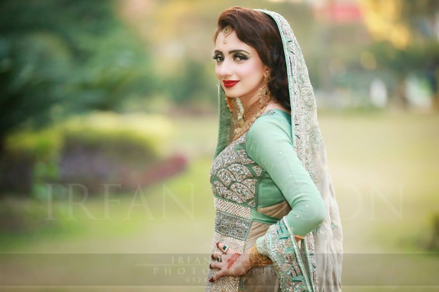 d940da2dc0f1 35 Latest Style Pakistani Bridal Outfits Combinations
