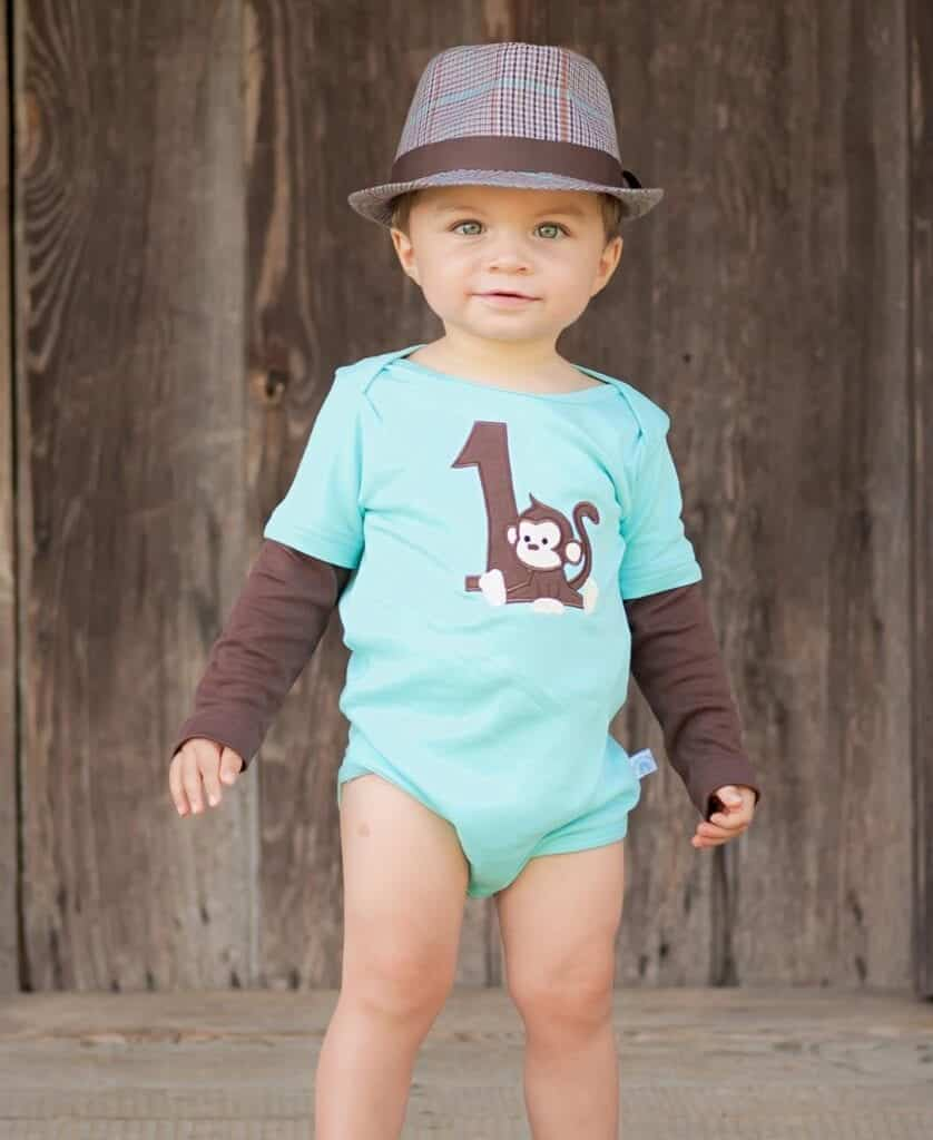 69cbc0f87 ... it is still the time for them to wear it. Rompers can also be worn on  their first birthday if the whole theme of the birthday party is to look  casual.