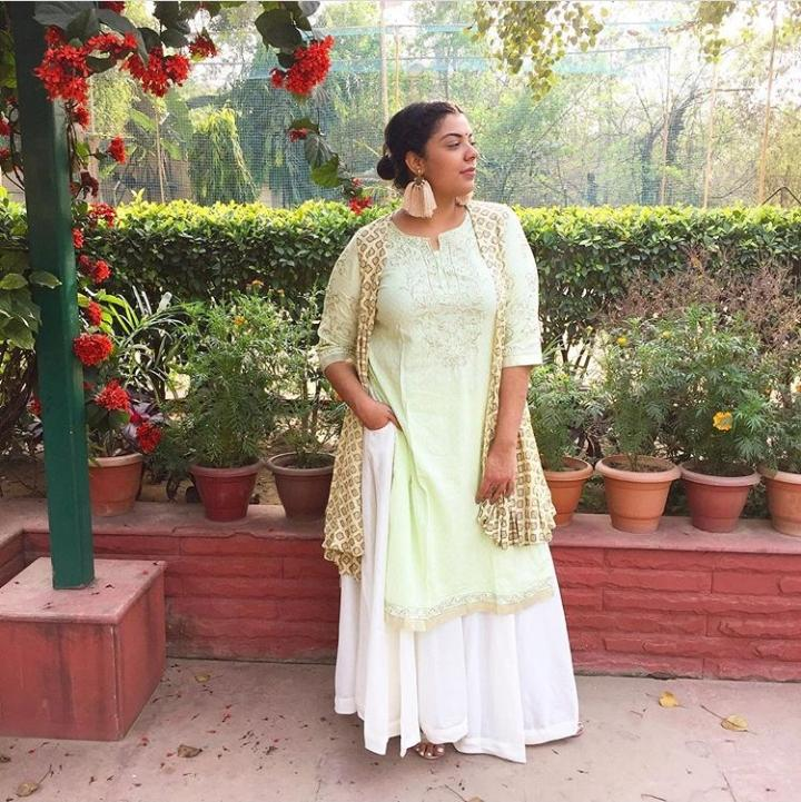 Make The Most of Holi With These Stunning Outfit Ideas (8)