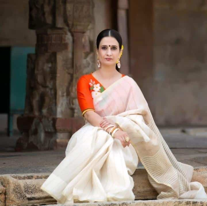 Make The Most of Holi With These Stunning Outfit Ideas (2)