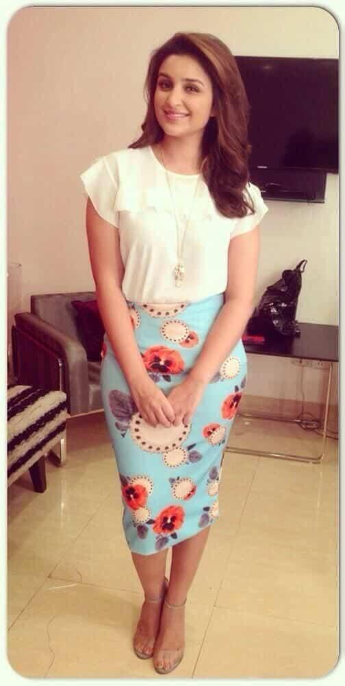 Parineeti Chopra outfit2