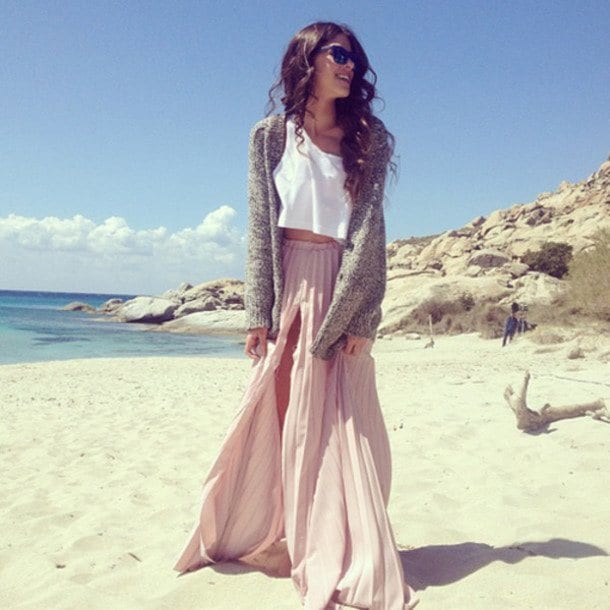 b6b63c258f 16 Best Beach Party Outfit Ideas for Women- Beach Style Look