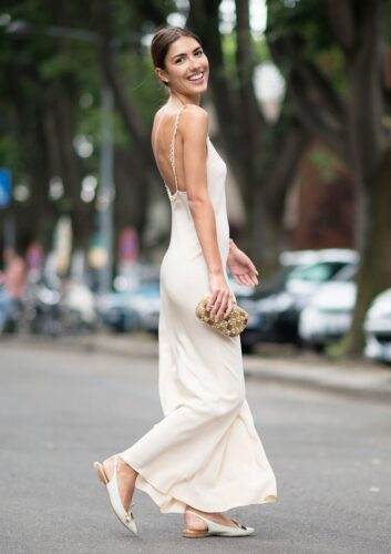 20 Great Ways To Rock A Braless Look How Go