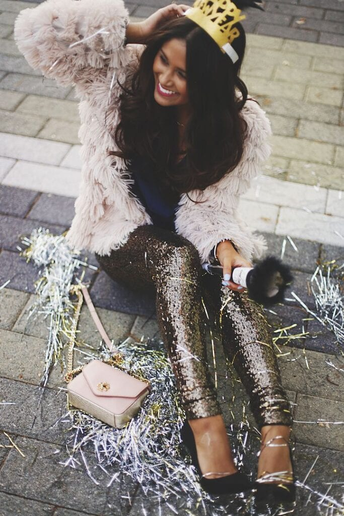 b269bba43b13 What To Wear on New Year Date? 20 New Year Eve Date Outfits