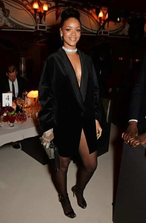 573756673c04 ... Rihanna in an all black outfit she chose to wear for the British Fashion  Awards. If you choose a similar outfit, definitely go for the nude make-up  look ...