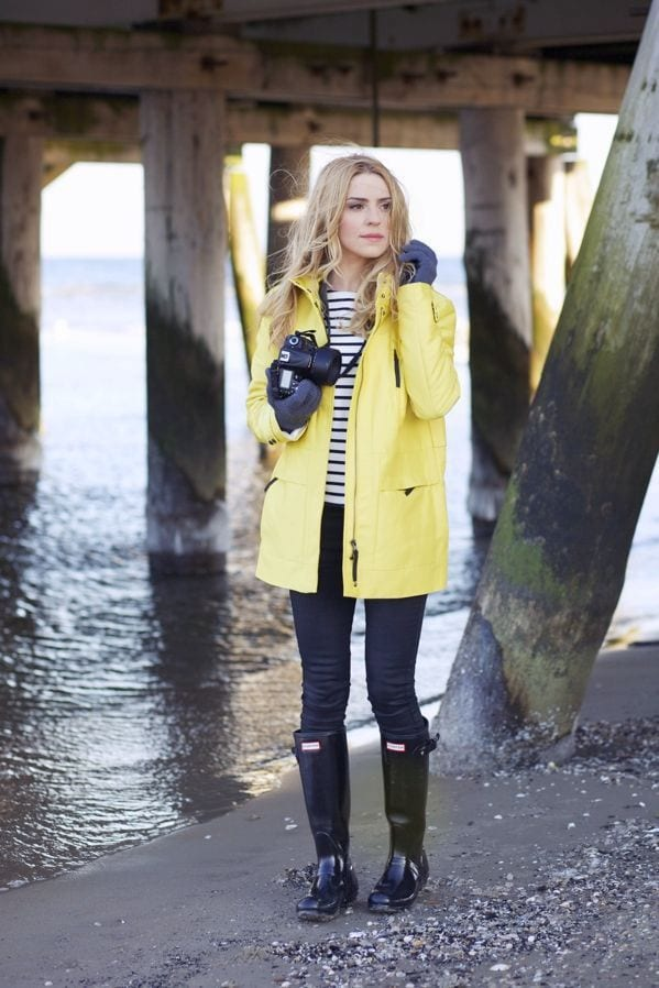 how to style hunter boots 10