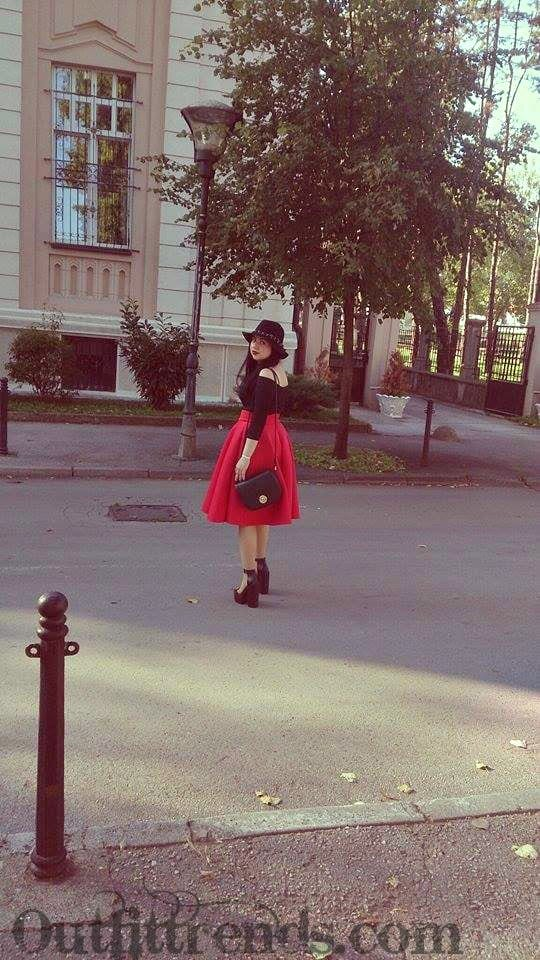 what to wear with red skirt (5)