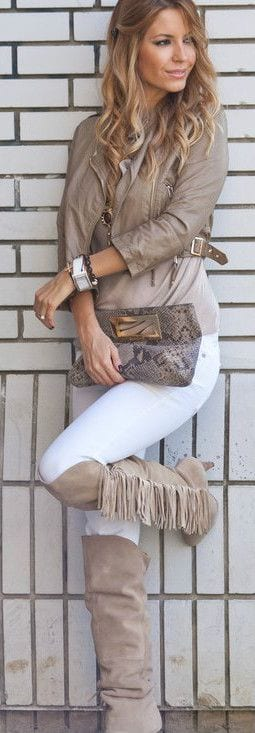 Cute Outfits for Women With Curly Hair (9)