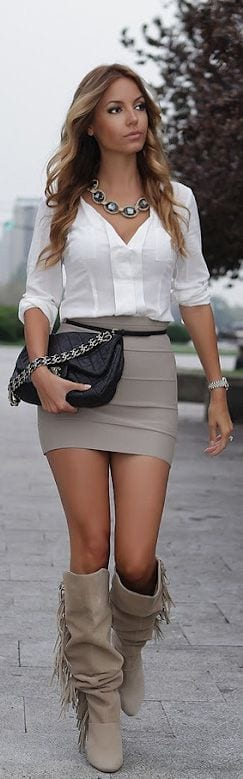 Cute Outfits for Women With Curly Hair (8)