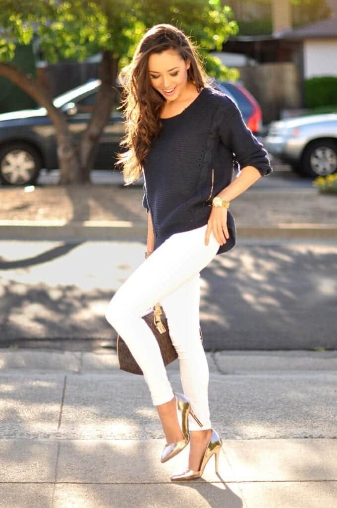 Fashionable ways to wear white jeans (22)