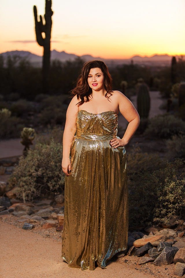 Trendy ways to wear sequin outfits as curvy women (12)