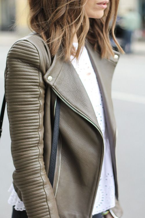 leather jacket outfits for girls (15)