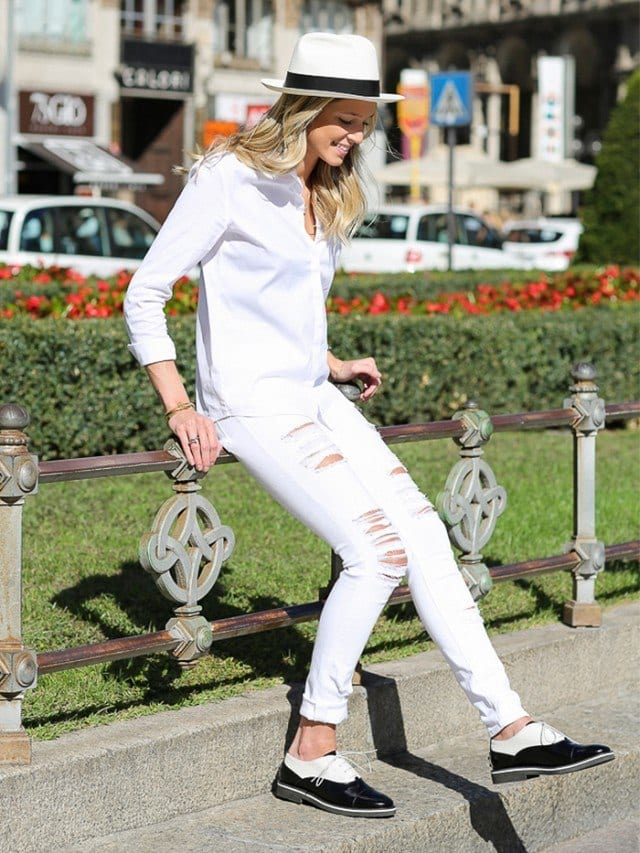 Fashionable ways to wear white jeans (8)