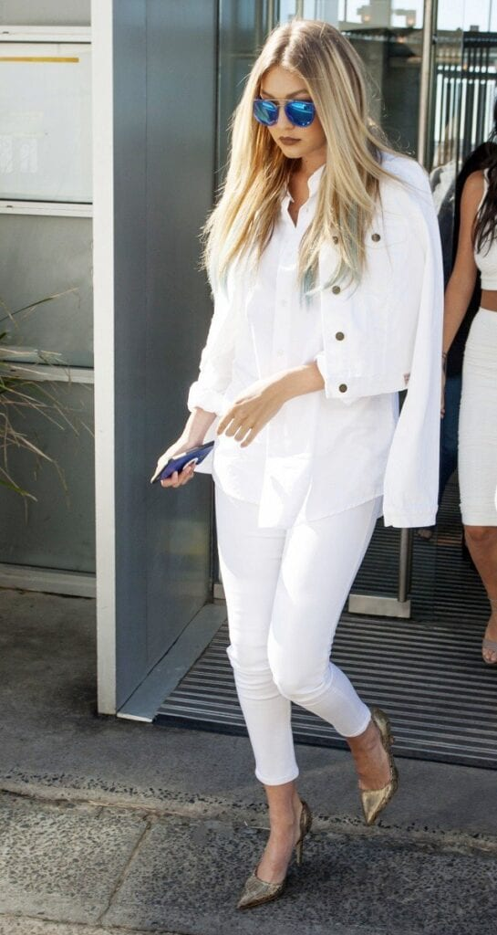 Fashionable ways to wear white jeans (6)