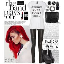 Cute Outfits for Red Haired Girls (1)